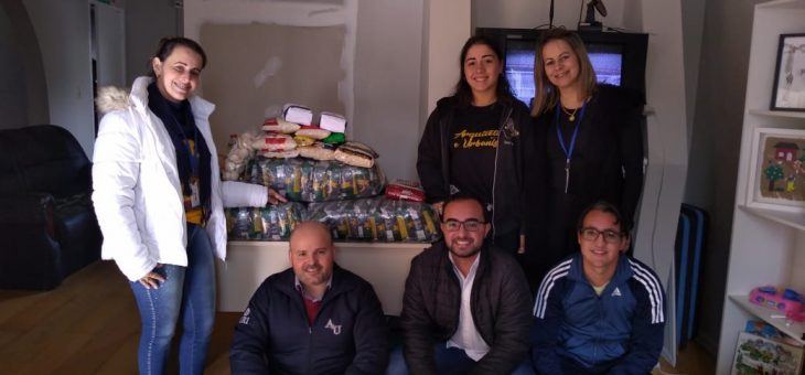 DCE e curso de Arquitetura entregam doações de alimentos ao Abrigo da Criança e Adolescente